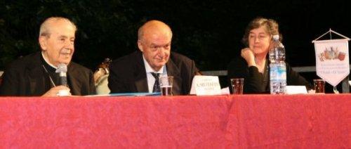 I relatori d'eccezione presenti alconvegno: da sinistra a destra, il Card. Silvestrini, il Prof. Paolucci, la Prof. Casanova